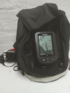 Humminbird PiranhaMAX 175 Portable Fish Finder