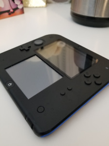 Nintendo 2DS with modded chip that can run any ds game