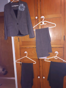 Large lot of ladies clothing!