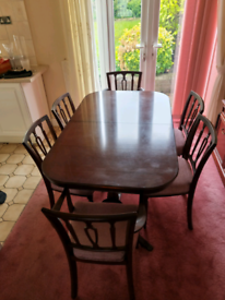 Strongbow furniture mahogony Table And 6 chairs