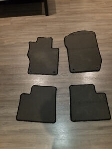 MERCEDES BLACK CARPETED FLOOR MATS 06-11 ML 07-12 GL CLASS W164