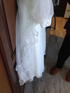 First Communion or Flower Girl Dress w/Floral Crown - Like New! London Ontario image 10