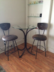 Table and chairs for nook