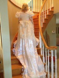 A vendre : WEDDING DRESSE.