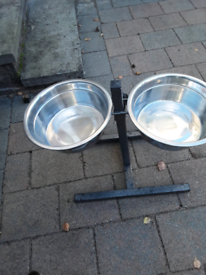Pet feeling bowls with stand