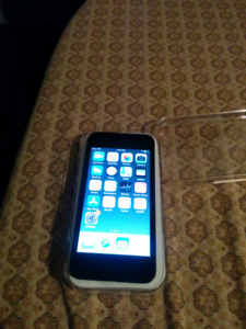 iPod Touch 6th Gen 32GB $220/Trade for Phone