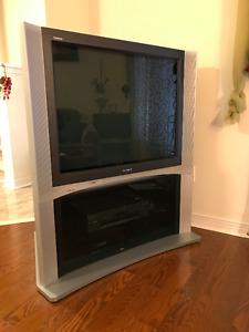 """36"""" Sony Trinitron TV"""