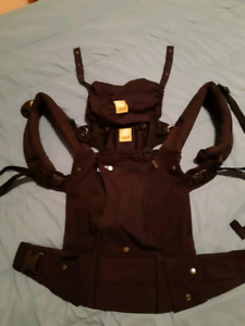 LilleBaby Complete All Season Baby Carrier