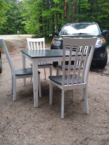 Table chairs chalk painted reduced 125