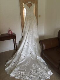 Stunning Mori Lee Wedding Dress with Train