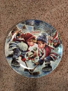 Decorative plate - little boy hockey players