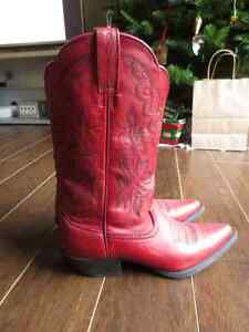 Ariat red leather cowboy boots - like new!