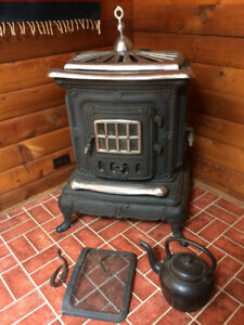"""Double Star"" woodstove - Bowen Island"