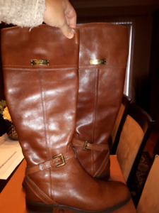 New authentic Coach boots size 5.5