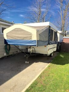 2007 10 foot  flagstaff tent trailer for sale