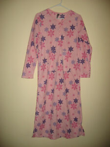 Cozy, fleecy nightgown / lounger - Adult Small
