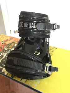 Forum mini Youngblood snowboard with K2 Mach bindings London Ontario image 3