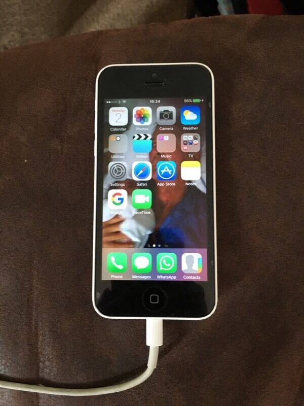 iphone 5c unlocked iphone 5c unlocked in herne bay kent gumtree 1334