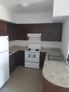 2 bedroom apartment for rent available Sept 3