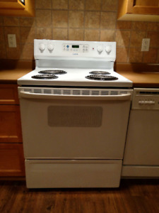 Appliance Package Like New - Kitchen and Laundry
