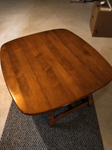 Set of 2 Solid Wood Tables - Coffee table w/folding sides/side t