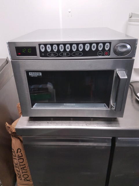 Heavy duty commercial microwave | in Lossiemouth, Moray | Gumtree