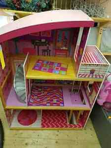 Dollhouse Cambridge Kitchener Area image 1