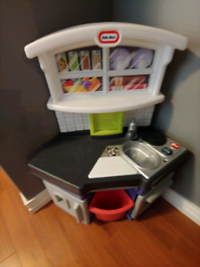 Little Tikes Play Kitchen and accessories