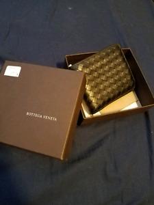 Bottega Veneta men bi -fold wallet
