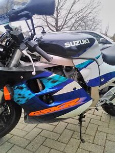 SUZUKI GSXR1100 1995 WITH V&H FULL EXHAUST AND RACING TIRES Windsor Region Ontario image 9