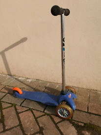 Mini Micro CLASSIC scooter (Blue with Orange brake)