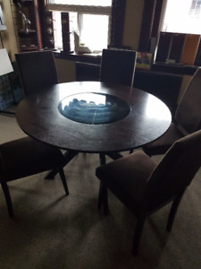 Round 6 chair and table set