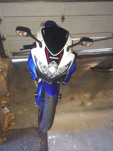 Low KMs, 2008 GSXR 600 with extras