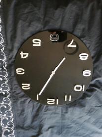 Black glass clock excellent condition