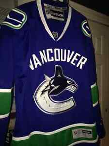 Vancouver Canucks Authentic Jersey Mens M