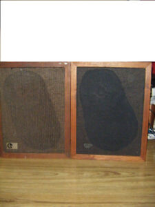 2 Vintage EPI M50 Speakers for sale In The Truro Area