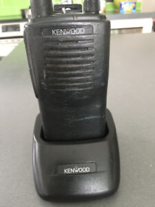 4 WALKIE TALKIE KENWOOD
