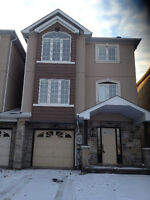 3 Bedroom Finish Walked Out Basement Link Townhouse at Newmarket