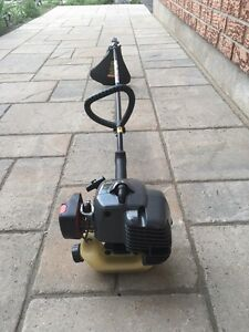 Craftsman 17 inch - 25 cc gas weed eater -excellent condition