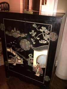 Lacquered Chinoiserie carved hand painted Chinese cabinet Oakville / Halton Region Toronto (GTA) image 1