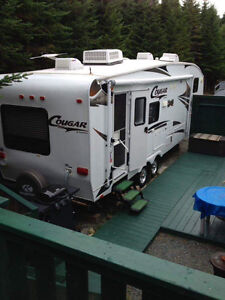 Reduced- 2009 Cougar Fifth Wheel