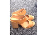 Shoes size 6 nearly new