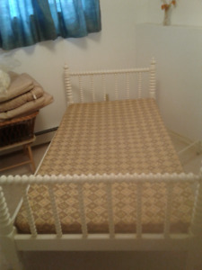 White antique spool bed for sale