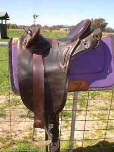 James Santa Stock Saddle Thoona Benalla Area Preview
