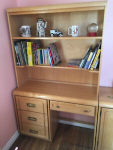 Child's bedroom furniture