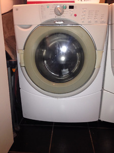 Whirlpool Duet front-loading washer dryer laveuse sécheuse
