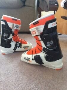 Full Tilt, Drop Kick Ski Boots BASICALLY NEW