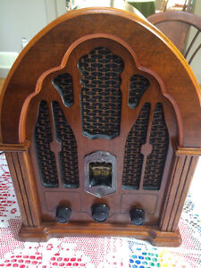 Radio,GE vintage cathedral radio,1930s reproduction AM/FM. North Shore Greater Vancouver Area image 2