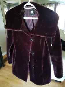 Faux fur plum burgundy winter coat. New condition small medium Belleville Belleville Area image 3