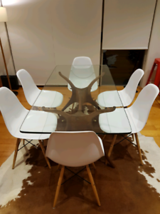 Eames Replica White Dining Chairs x 6